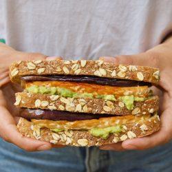 Wat eet je op brood als vegan? 25x vegan broodbeleg
