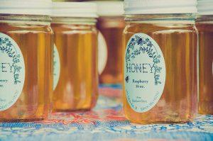 waarom-eten-vegans-geen-honing
