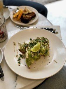 broodje avocado