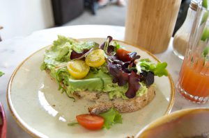 vegan ontbijt avocado toast