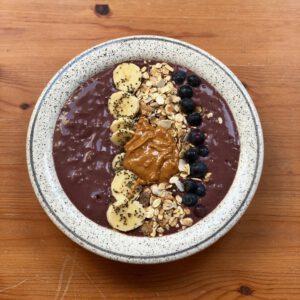 acai bowl met vegan proteïne